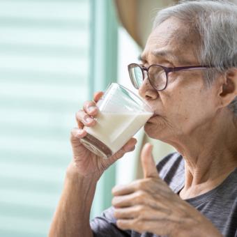 Senior drinking nutritious shake